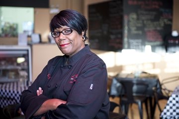 Evelyn's Food Love Uses LISC Small Business Loan to Bring Hip New Restaurant to Washington Park